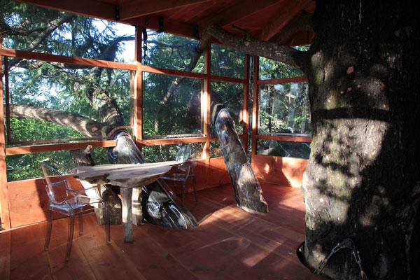 treehouseintwithtable7077.jpg